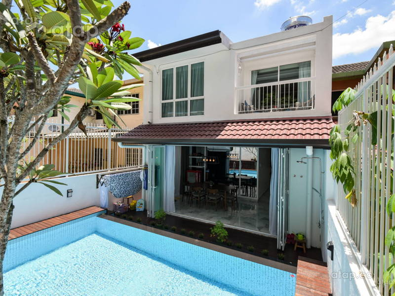 Terrace House With Swimming Pool