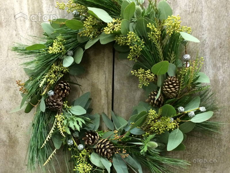 DIY Christmas Wreaths With Plants From Your Very own Garden