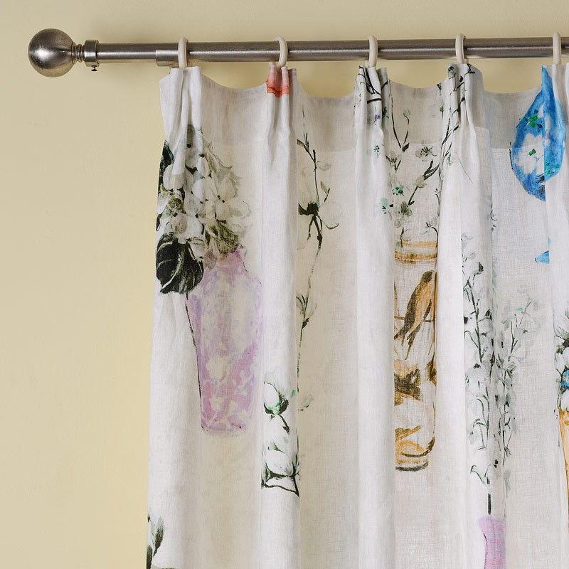 Curtain pleat