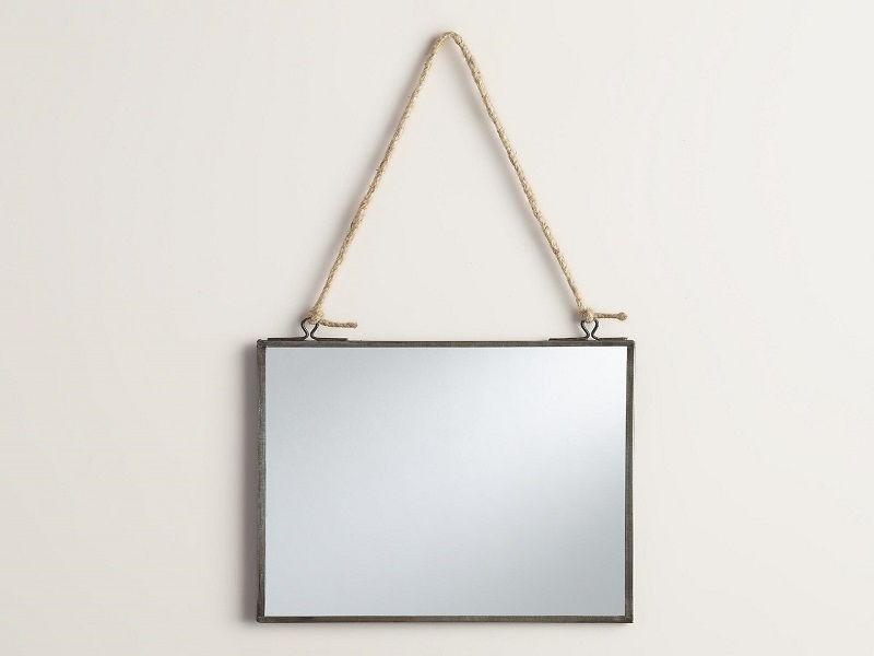 Square stringed mirror