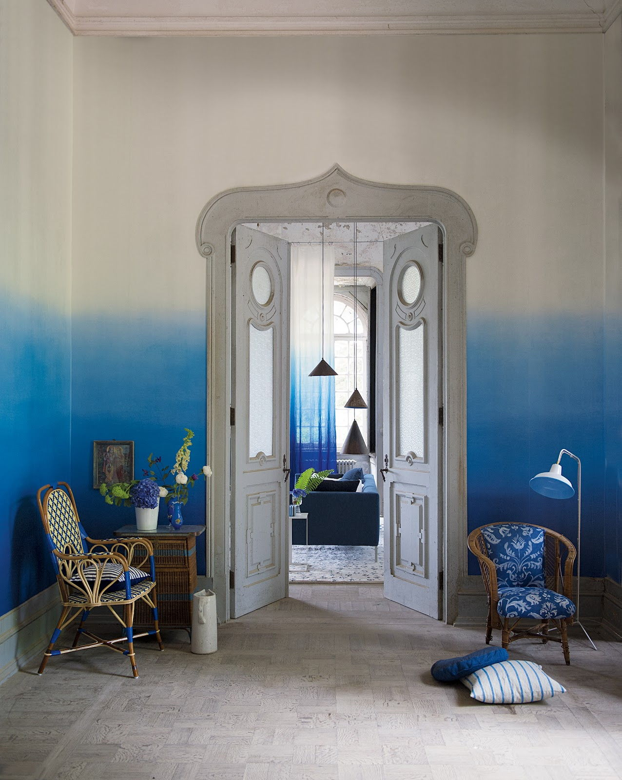 Blue ombre walls