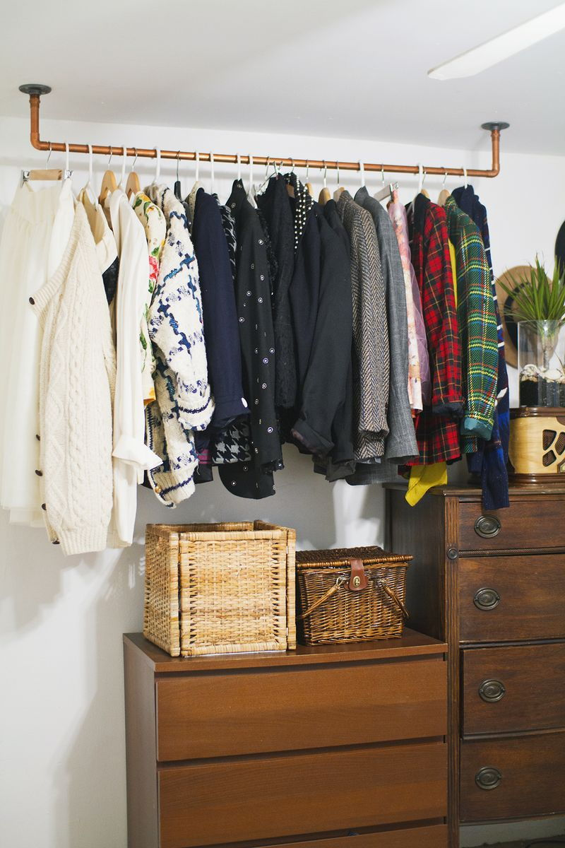 Clothes ceiling rack