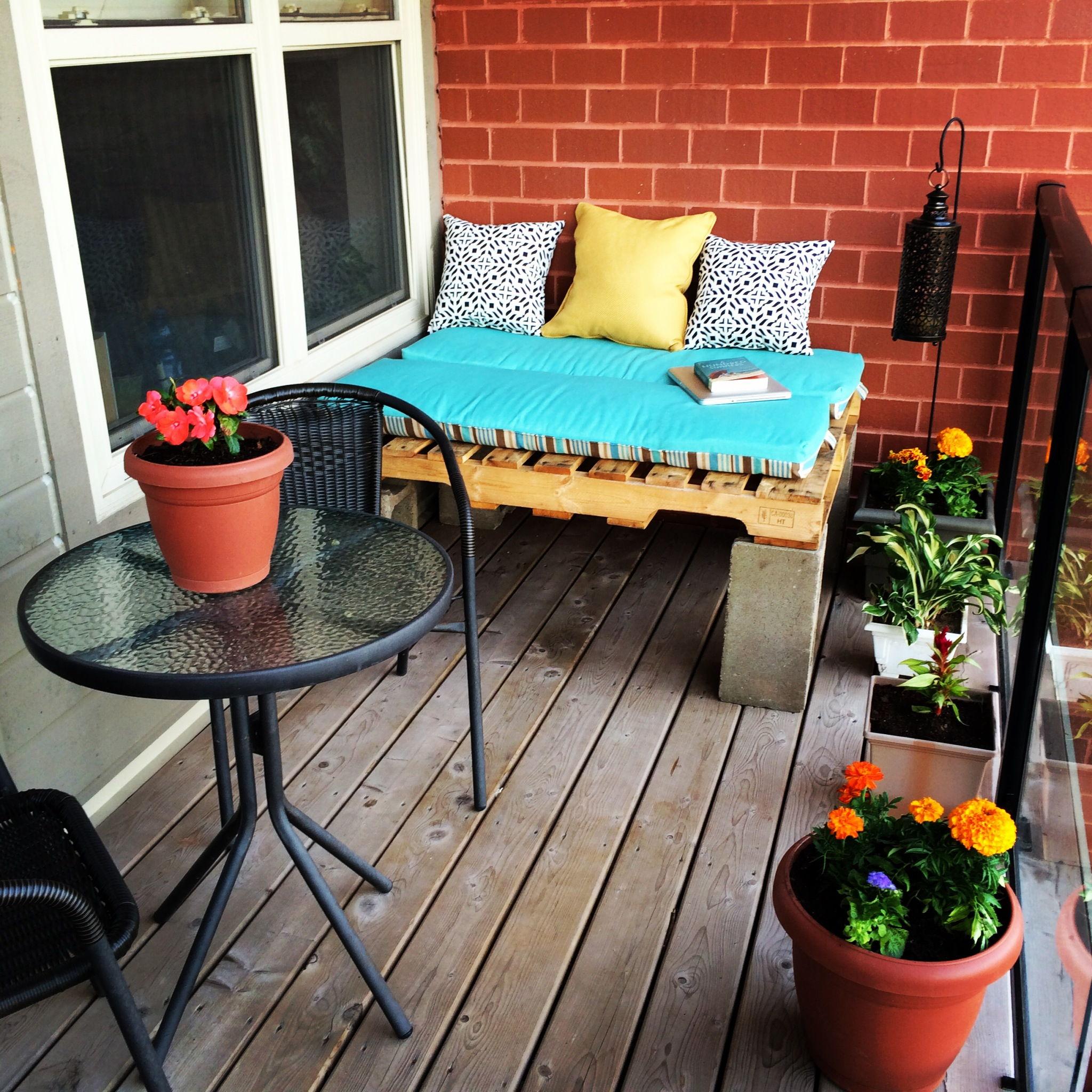 reading corner balcony