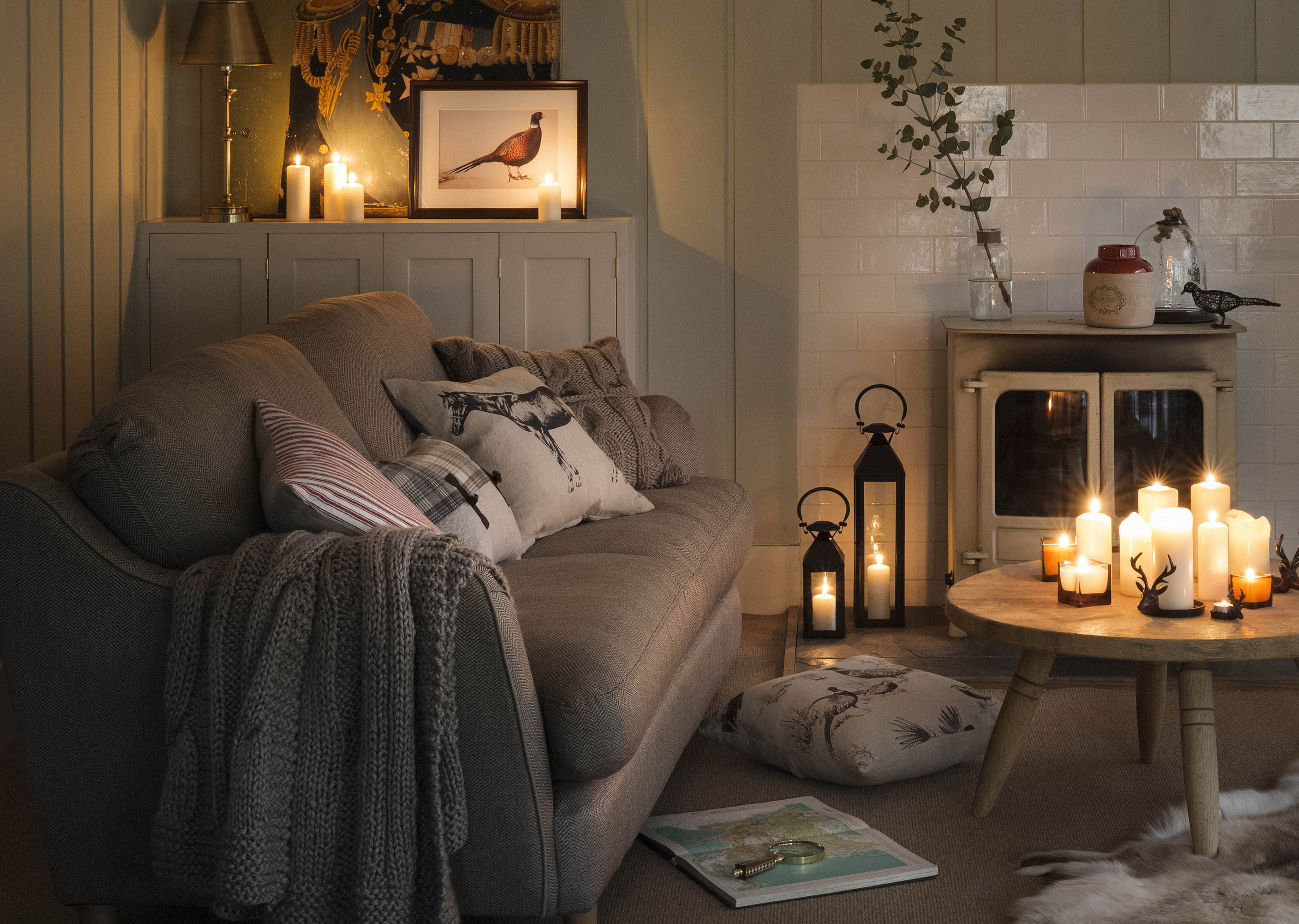 candle living area