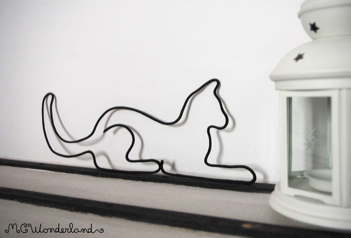 Cat wire decor