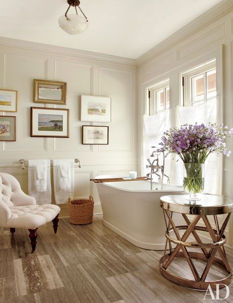 Bathroom chaise