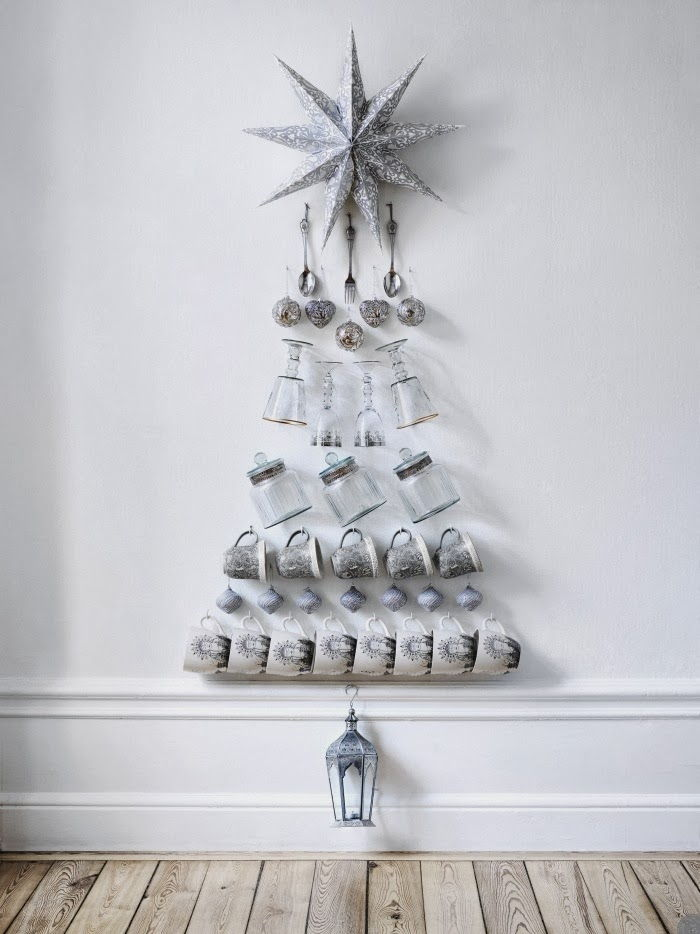 kitchen crockery xmas tree