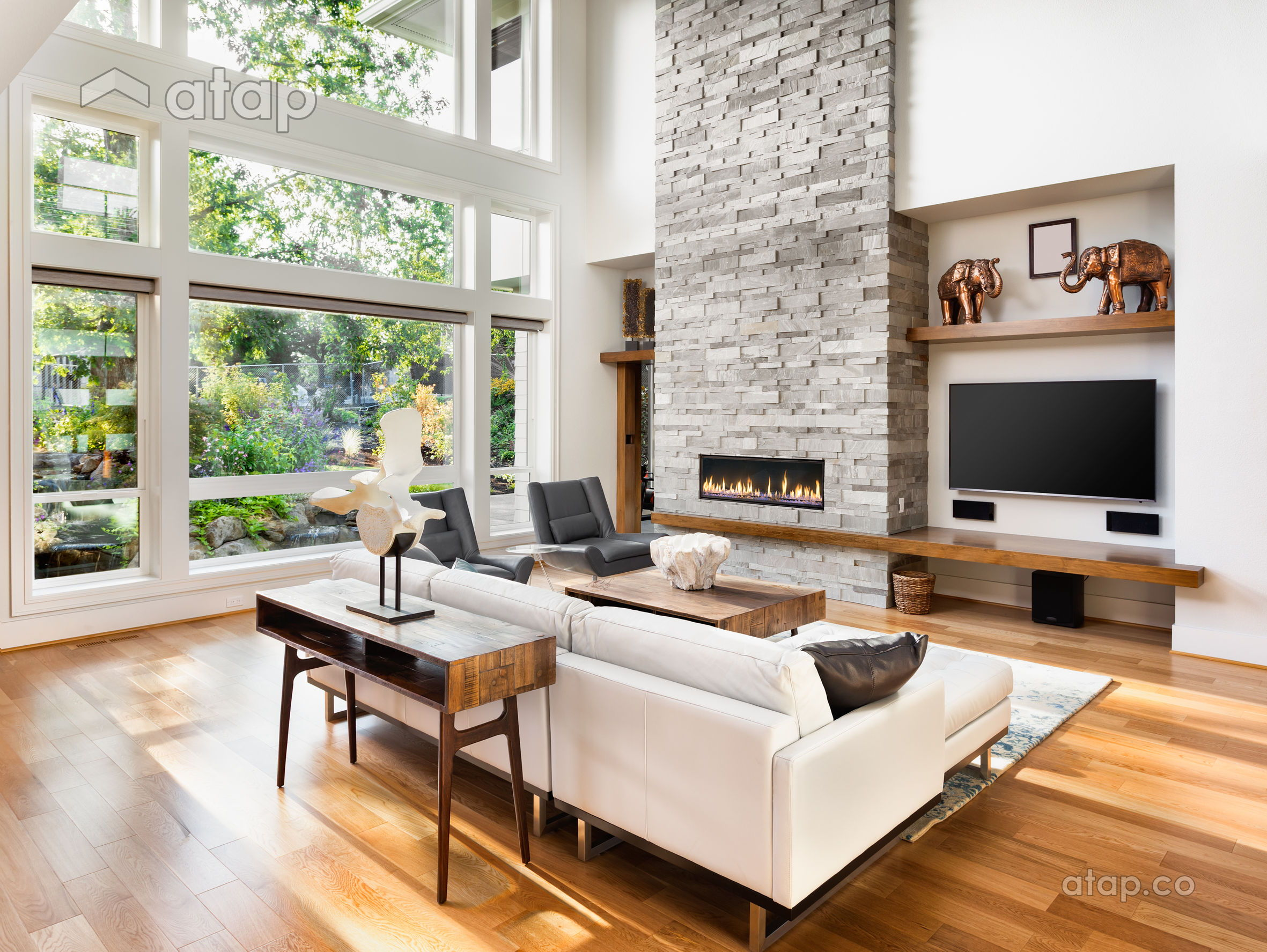 living area with hardwood floor