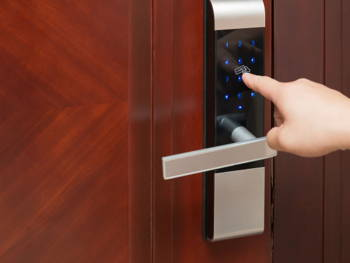 Leaving for a Long Holiday? Read This Home Security Checklist