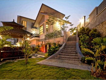 Make Your Exteriors as Inviting as These Malaysian Homes