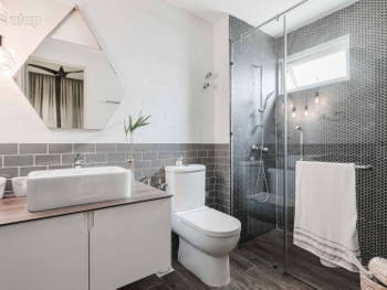 20 Malaysian Bathroom Design Ideas for Your Renovation