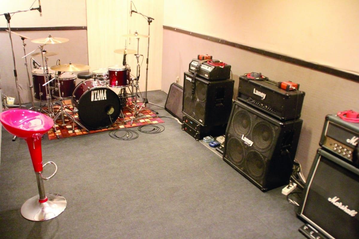 KONSEP HOME RECORDING DISUKAI  KOMUNITAS BAND METAL BARATA STUDIO