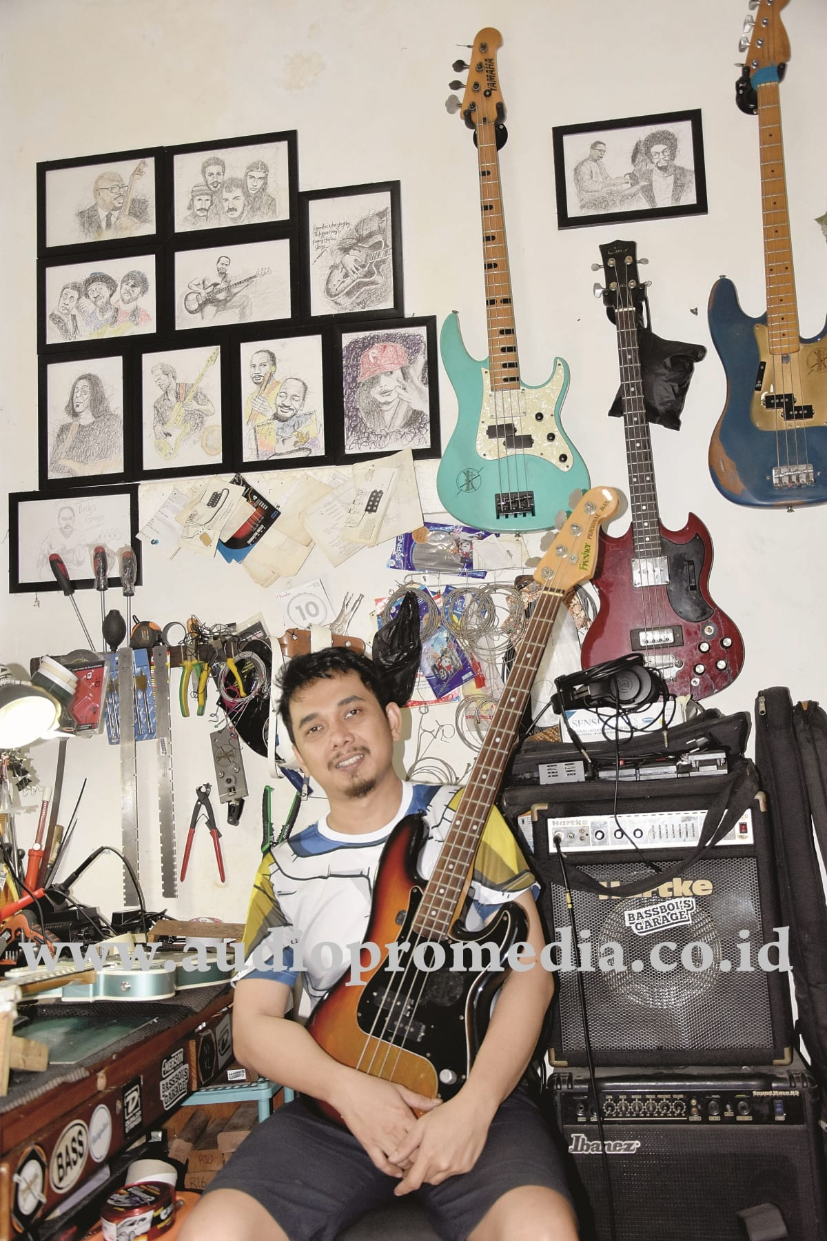 ANDRI YUSUF GUITAR/BASS TECHNICIAN