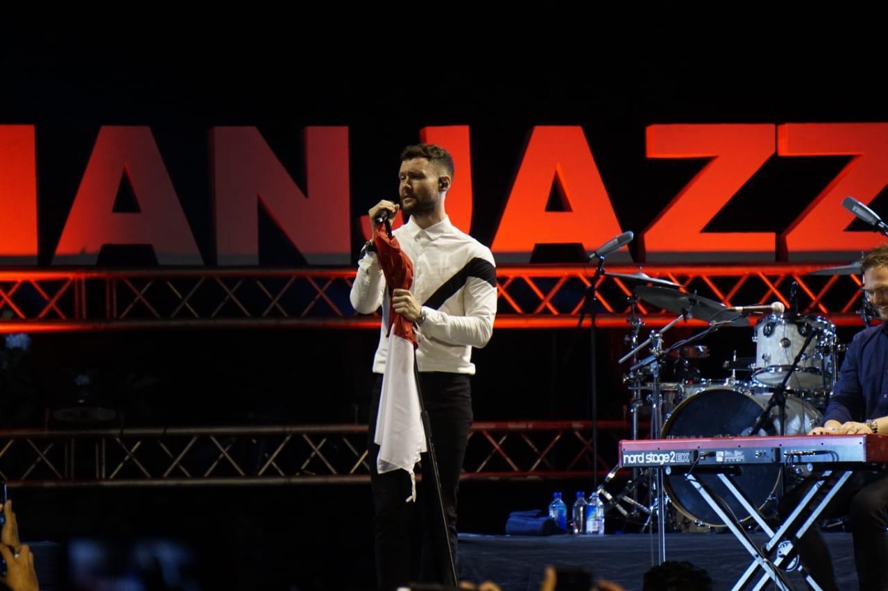 Calum Scott Syahdu dengan Golden Slumbers di Prambanan Jazz Festival 2019