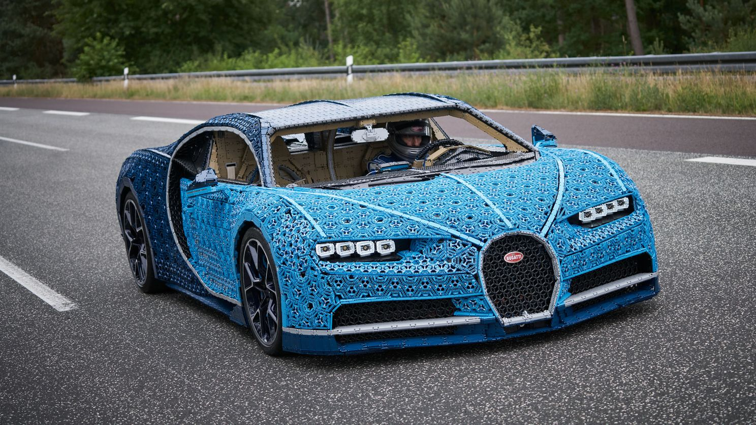 This Full-Size Bugatti Chiron is Made of LEGO and Drives! Well, at 18 mph. But Still!