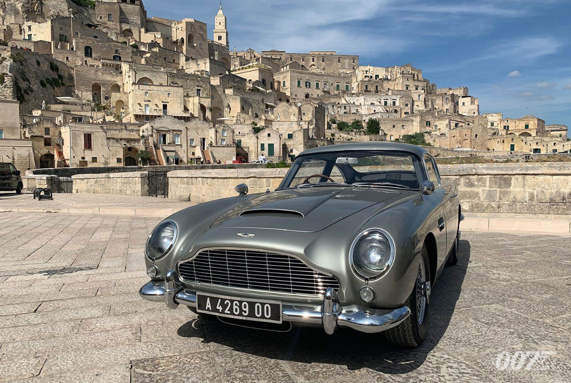 Bond Will Once Again Drive the Aston Martin DB5. Official Photos Revealed.