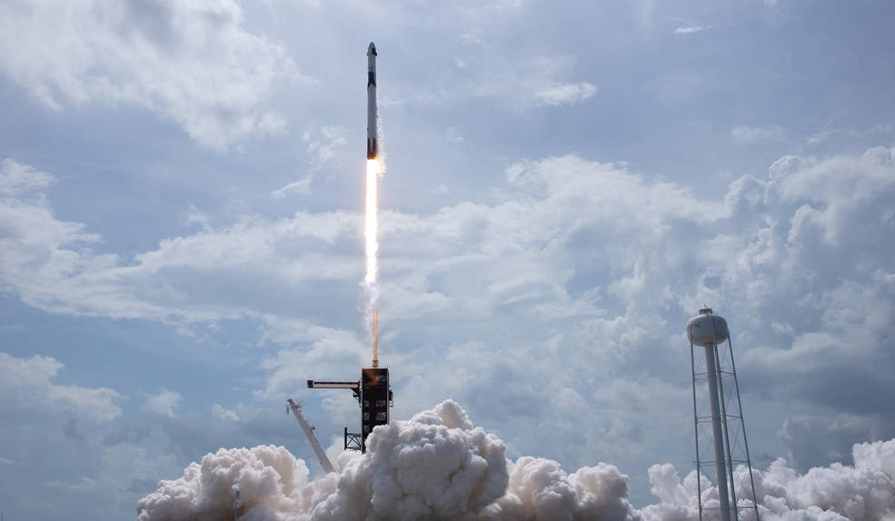 SpaceX Captivates the World's Netizens