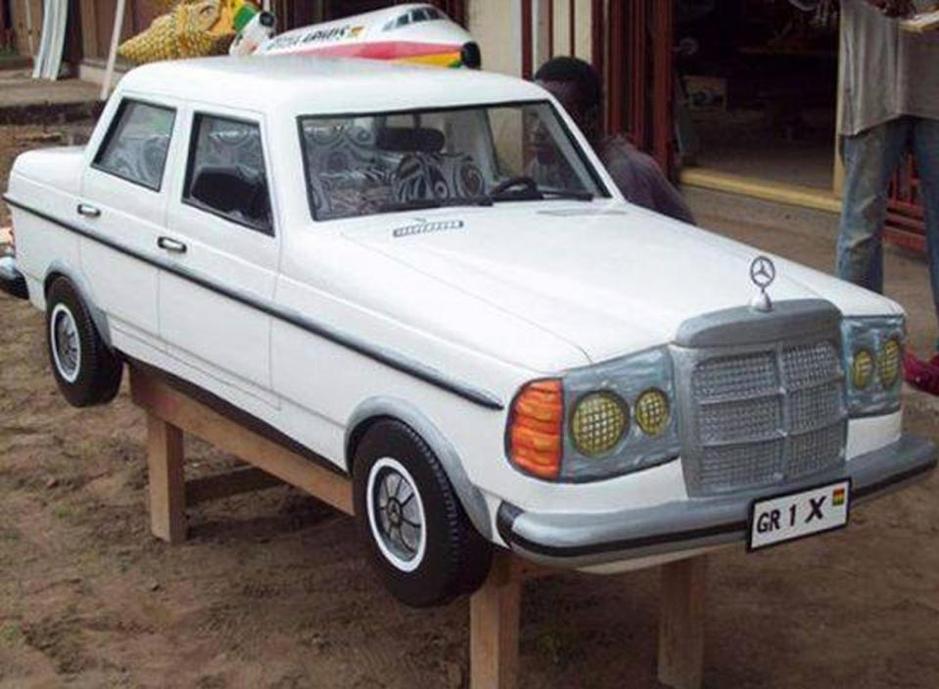 Kalau Dah Kaya, Keranda Pun Bentuk Kereta Mercedes Benz