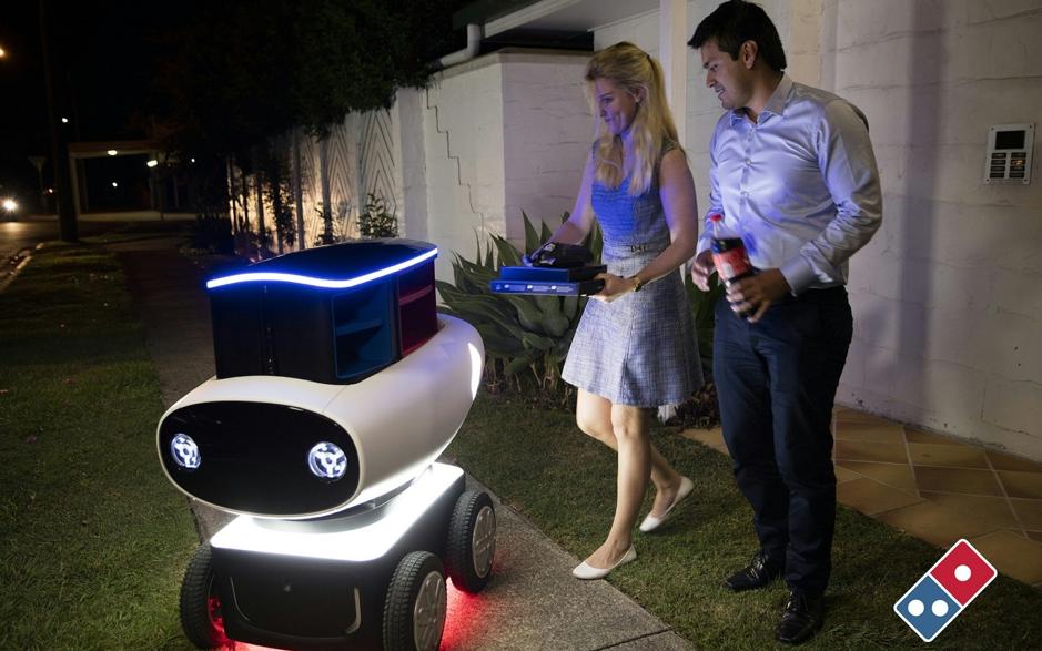 Kini Domino's Pizza Pula Ada Kereta Robot Hantar Piza