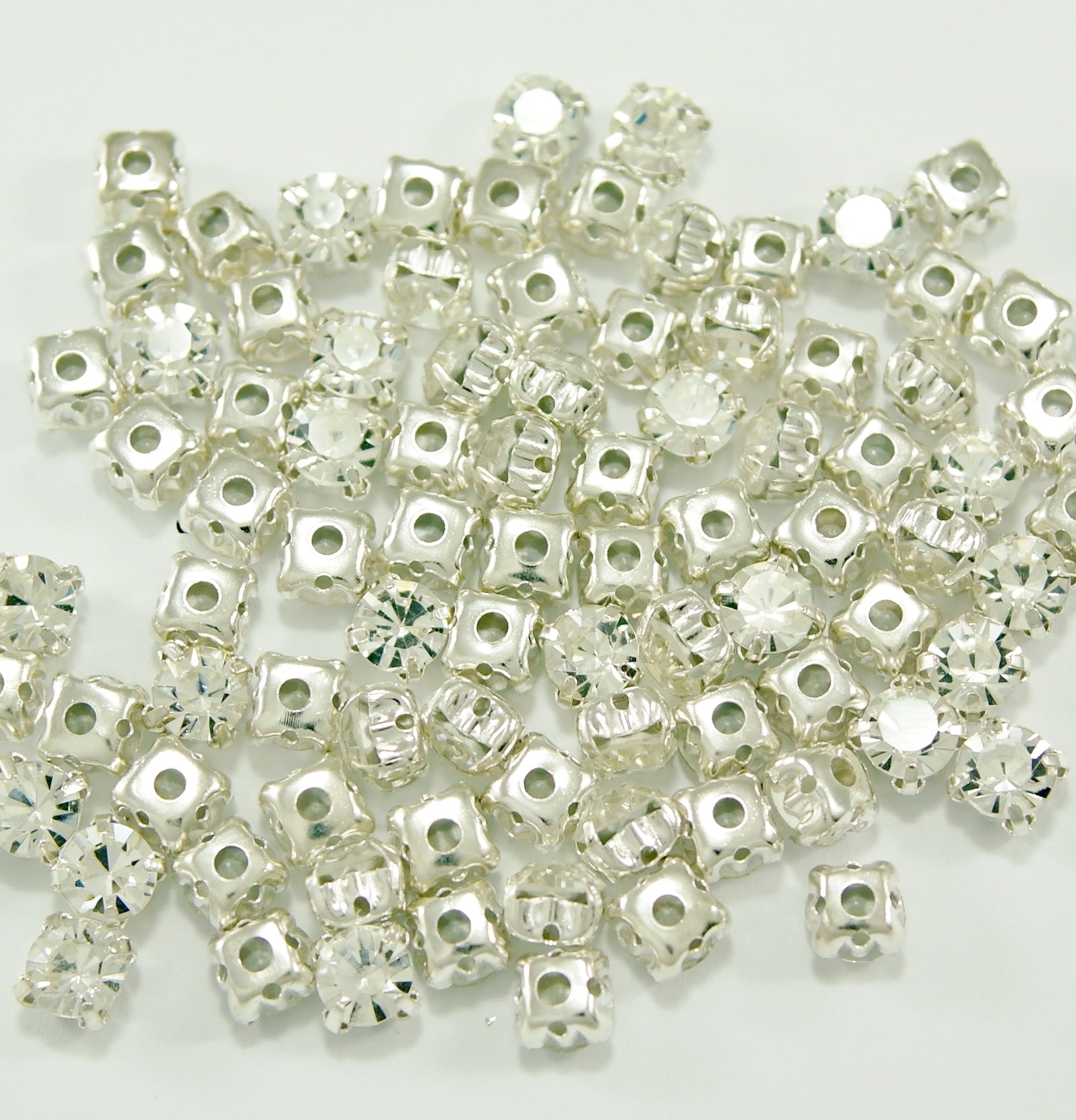 SS 34 montees - Crystal B1 ( 100 pcs )