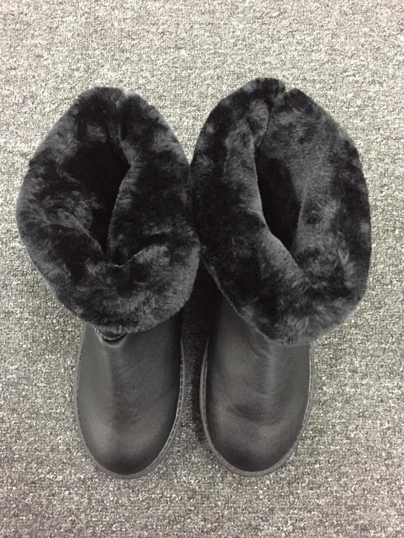 Winterboot Thick Plush Black- CNP