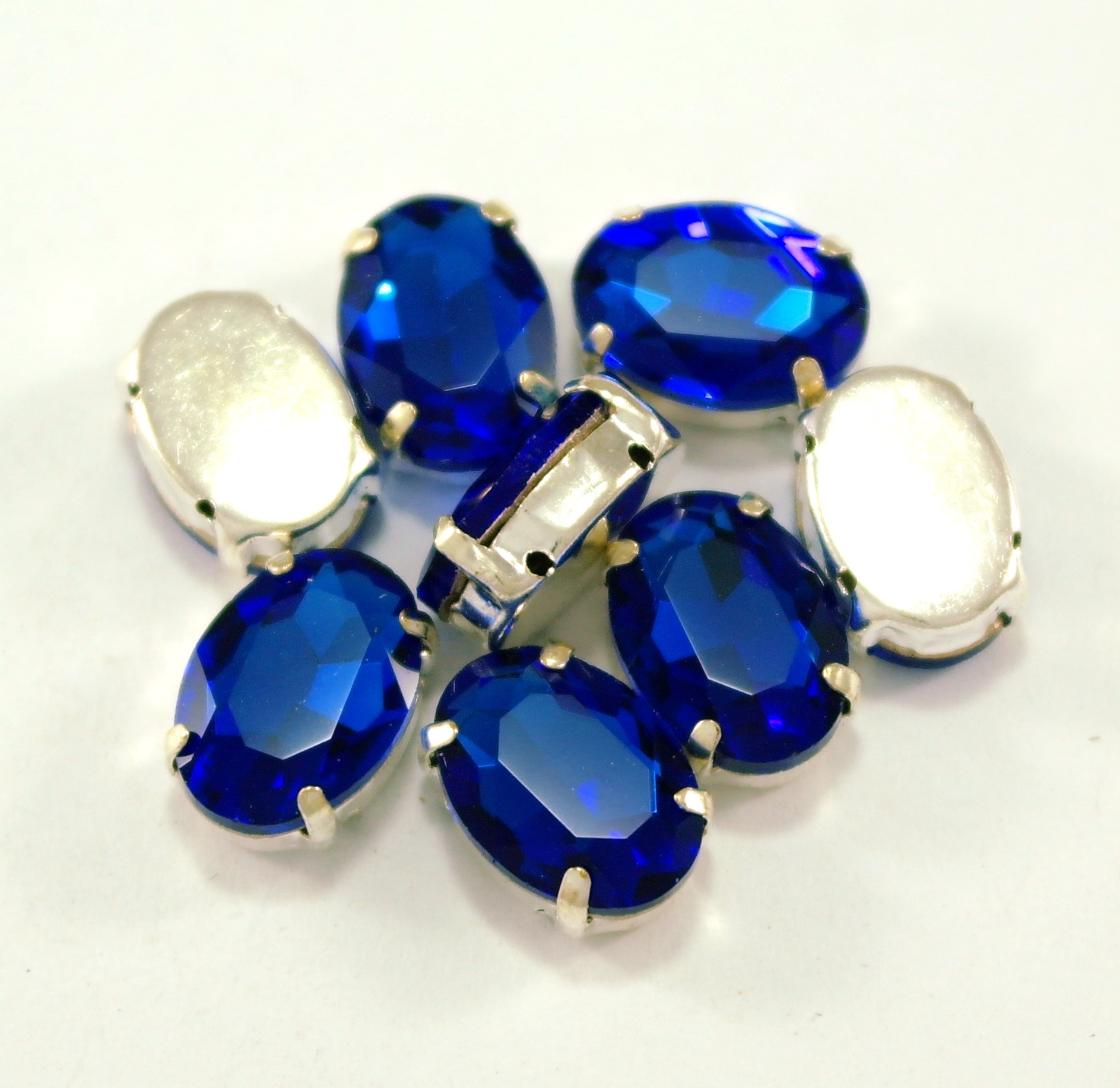 GLASS BEADS - COBALT OVAL (O4)