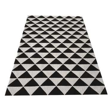 Cathy Triangle Rug Black 150 x 210 cm