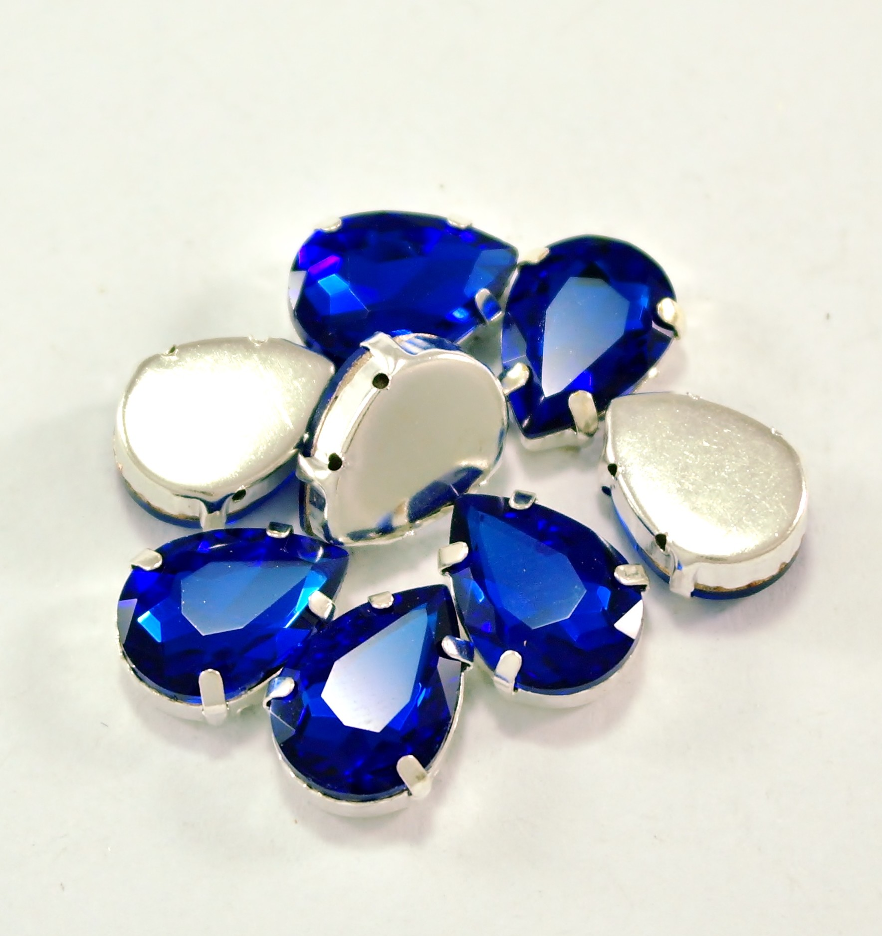 GLASS BEADS - COBALT TEAR DROP (T4)