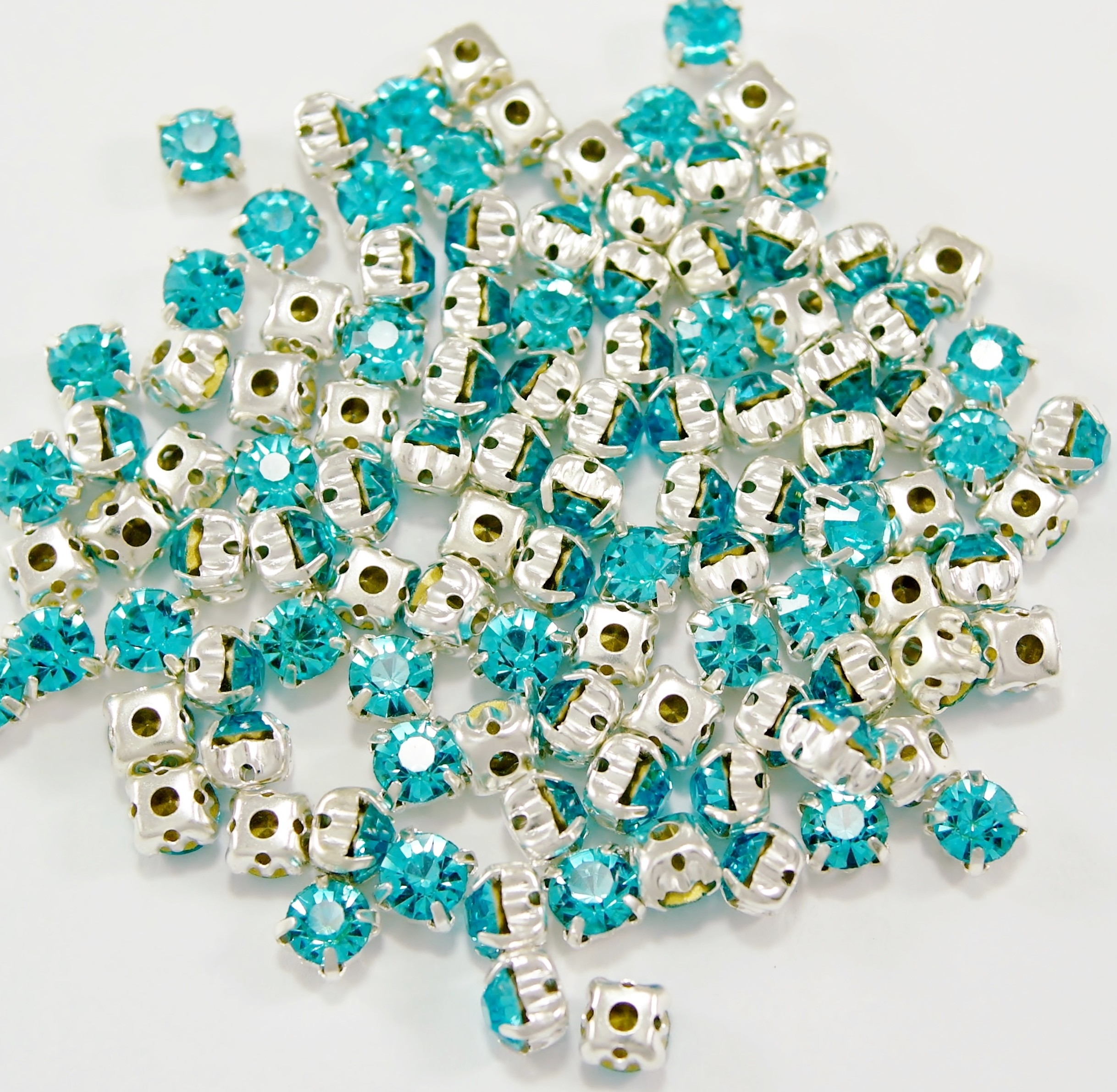 SS 34 montees - Aquamarine B3 ( 100 pcs )