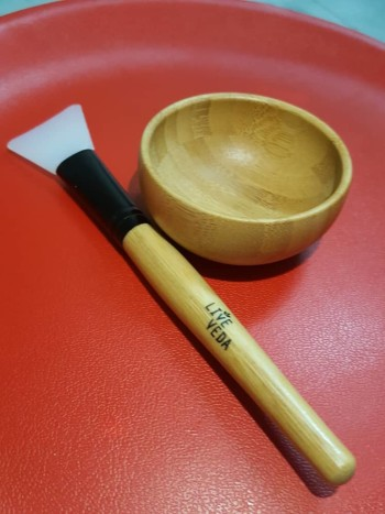 SILICONE MASK BRUSH WITH BAMBOO HANDLE
