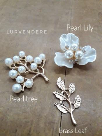 Pearl Flower & Leaf