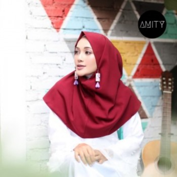 AMITY LONG SQUARE INSTANT MAROON