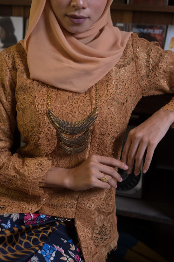 Kebaya Lace Golden (Tops Only)