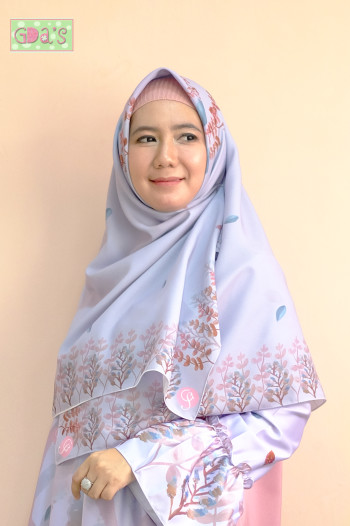 SEJUK SCARF IN CORAL