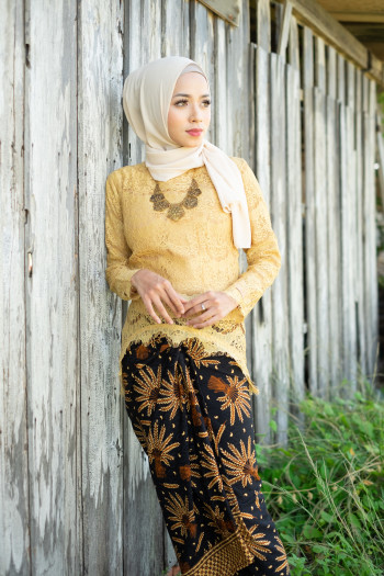Fishtail Lace Yellow (tops only)