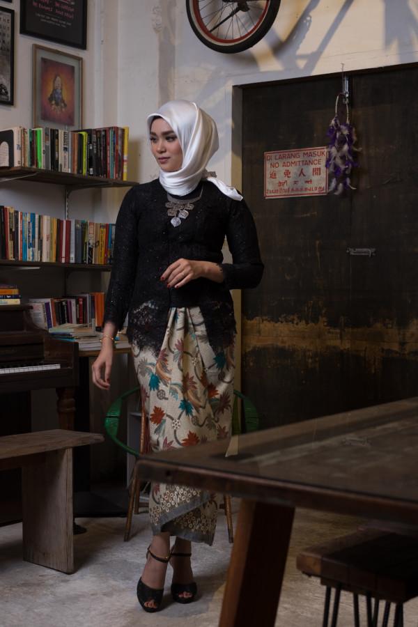 kebaya lace black (tops only) - Haura Wear