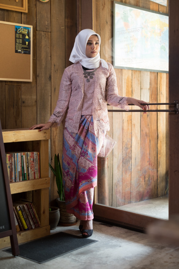 Kebaya Lace Pink (Tops Only)  - Haura Wear