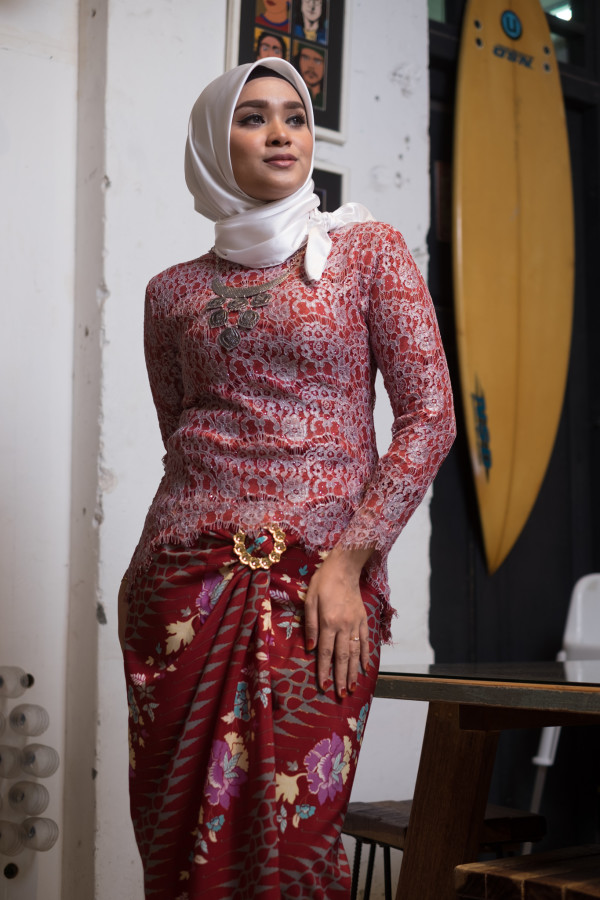 Fishtail Lace Red and Grey (Tops Only) - Haura Wear