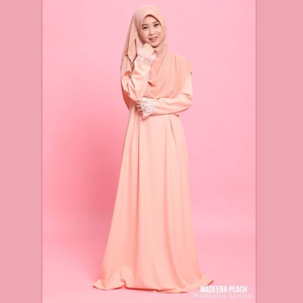 MADEENA JUBAH  - Wardatul Baydha Hijab