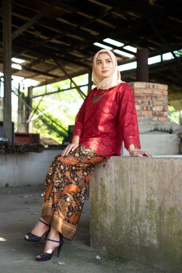 Kedah Lace Maroon (Tops Only) - Haura Wear