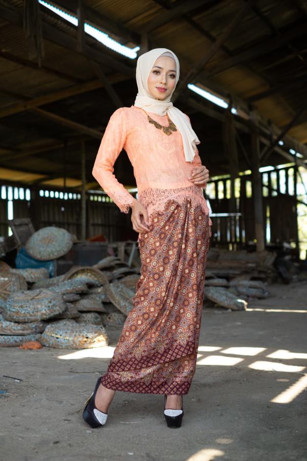 Fishtail Lace Orange - Haura Wear