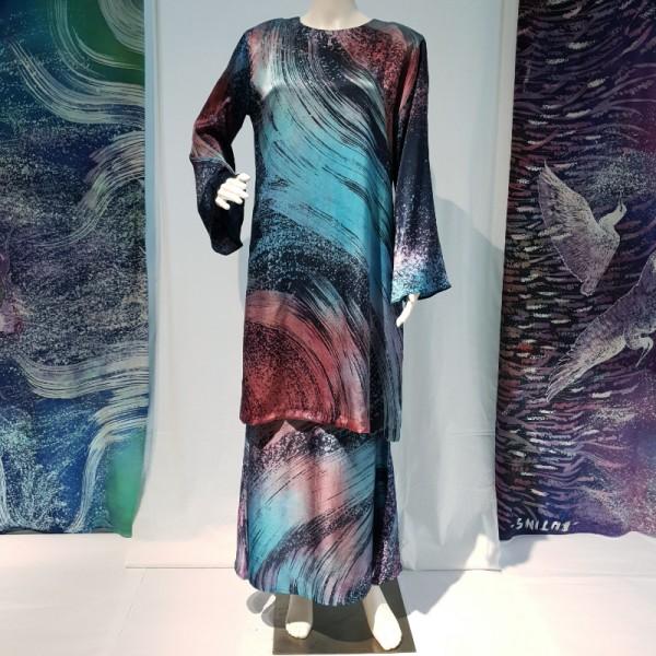 Kurung Klasik (M) - BUJINS Batik