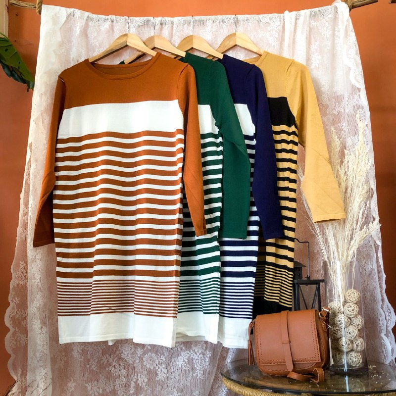 RUBY TOPS (FREE SIZE)