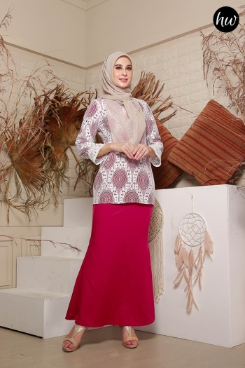 KURUNG NAYLA IN BURGUNDY