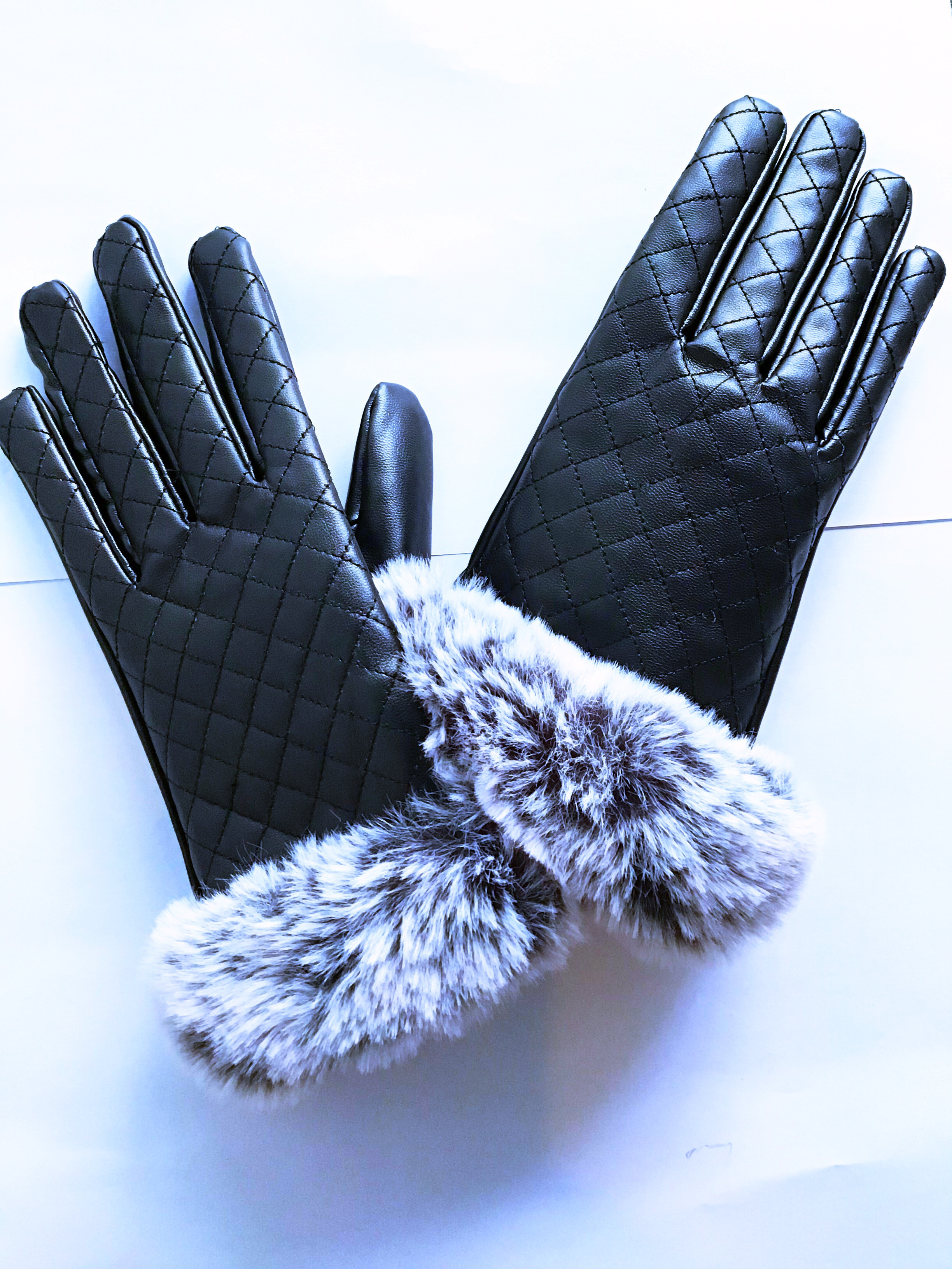 GLOVE LEATHER WITH FURR (BRAND NEW)