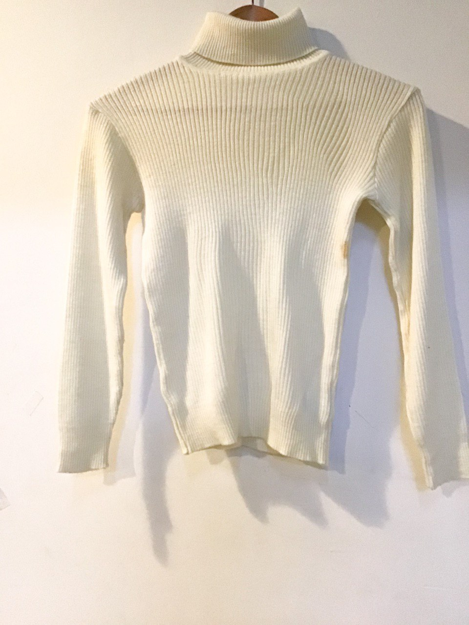 BJ1528 WHITE KNITWEAR