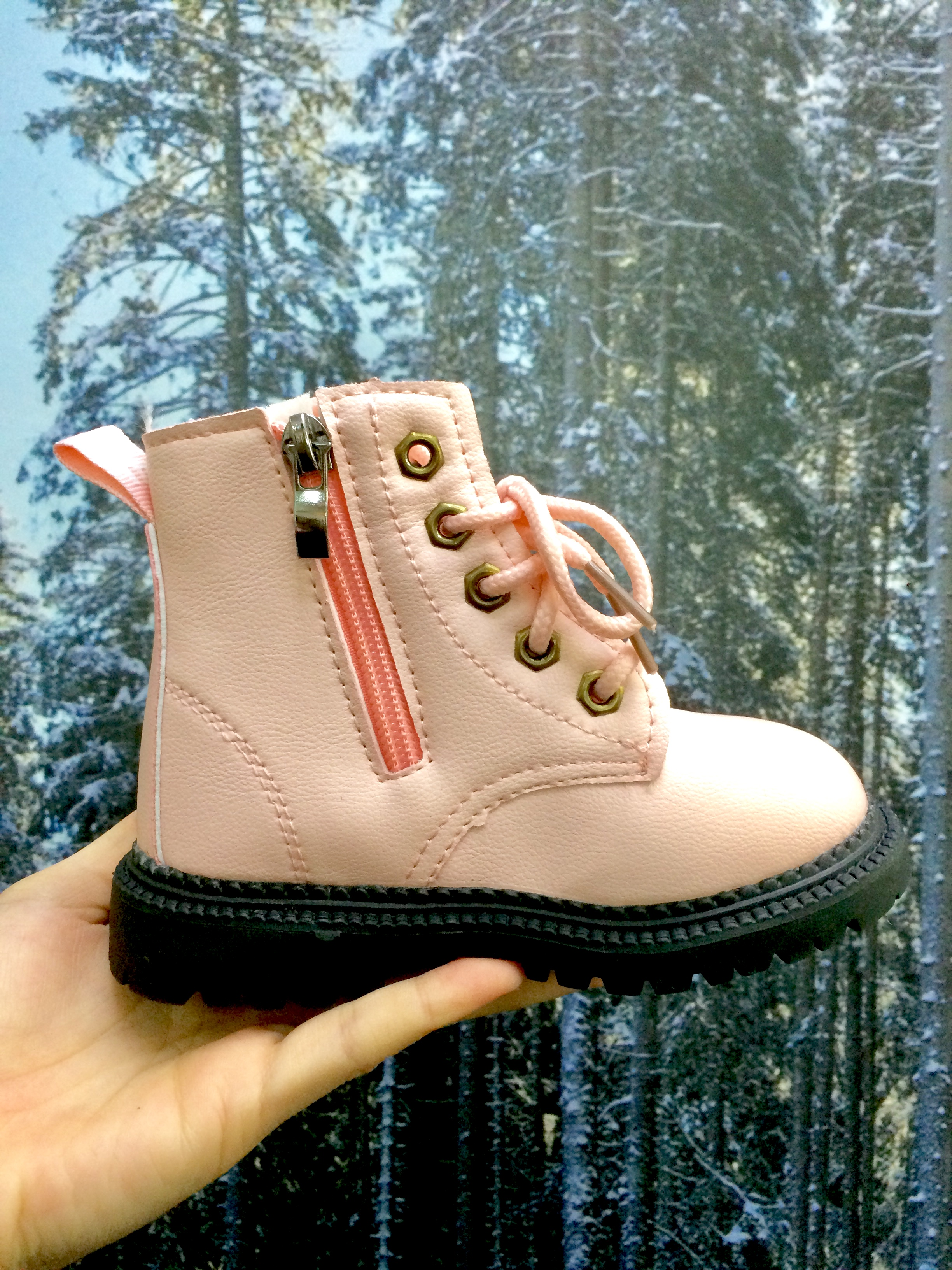 SSP80 KIDS WINTER SHOES PINK (NEW)