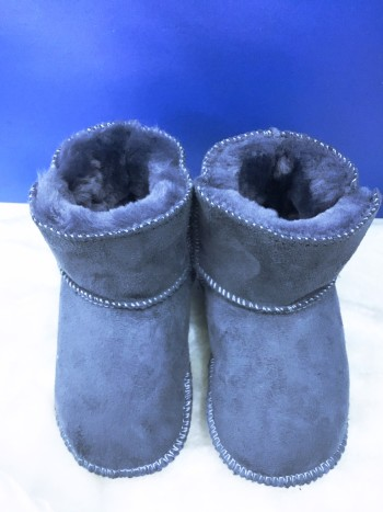 Winter shoes (anti slip, water resistant, warm & comfy sole) - Bundle Preloved