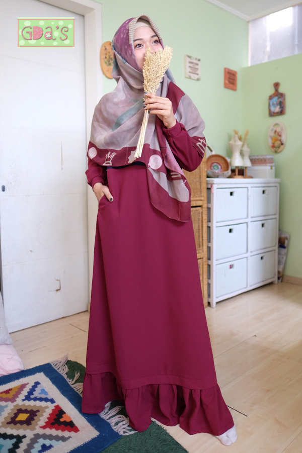 RAHIMA DRESS IN MAROON - GDa'S by Ghaida Tsurayya