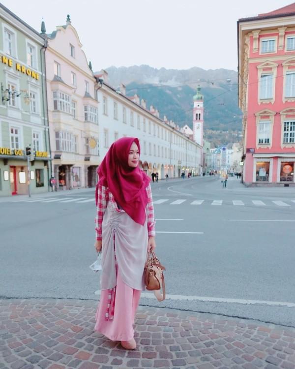 SERUTAN DRESS IN RED - GDa'S by Ghaida Tsurayya